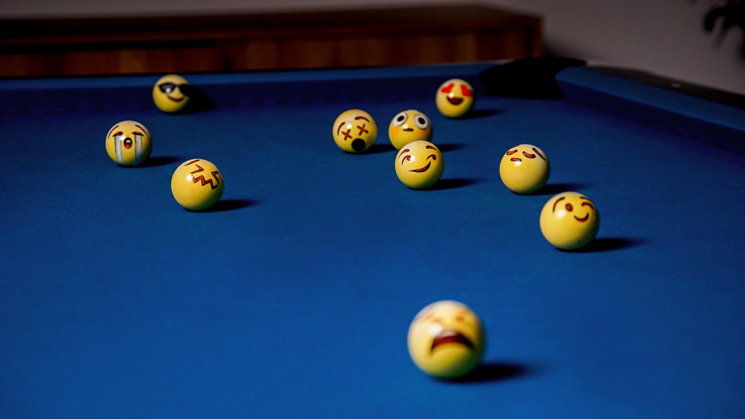 Poolmoji_PoolParty_02.jpg