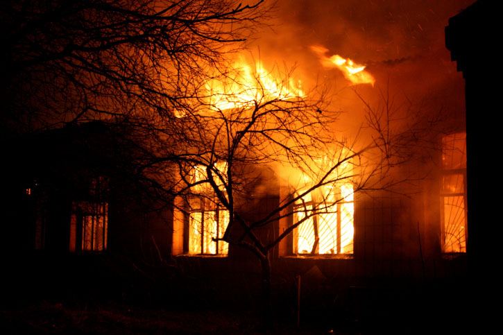 Image of burning building for Specialty Metals blog post, Where to Find Gold, Silver and other Precious Metals in Buildings that Were Destroyed by Fire. Credit: Credit: photovova/iStock.