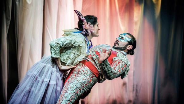4-Ursula-García-Tinoco-y-Sandor-Juan-en-una-escena-de-la-producción-de-Repertorio-El-burlador-de-Sevilla-fotos-Michael-Palma.jpg