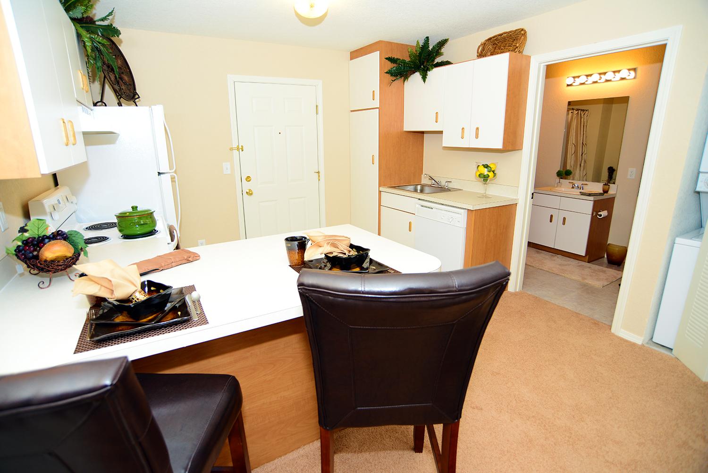 Brookridge Heights Apartments   Bloomington, IL