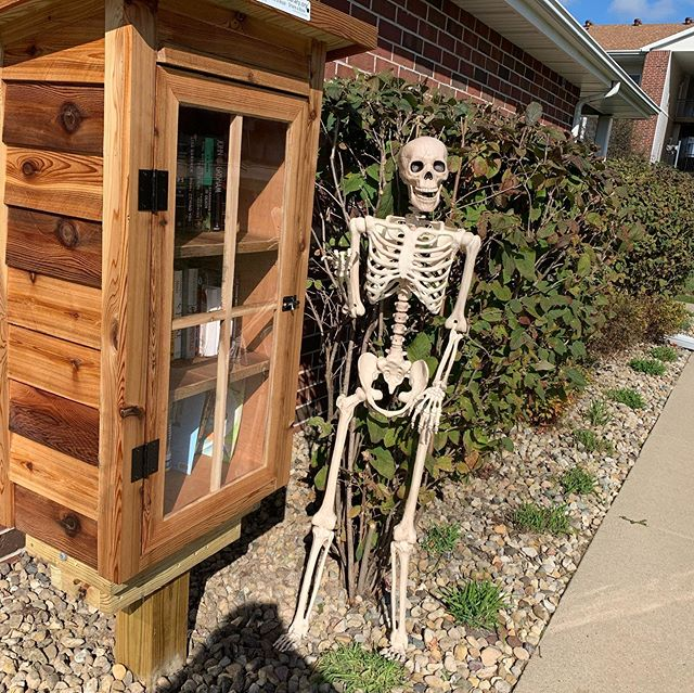 Mr. Bones checked out our amenities while he was here. He thinks Brookridge Heights is the bee's knees and thinks the fitness center being open 24 hours is pretty Knee-t. #morepuns #lovewhereyoulive