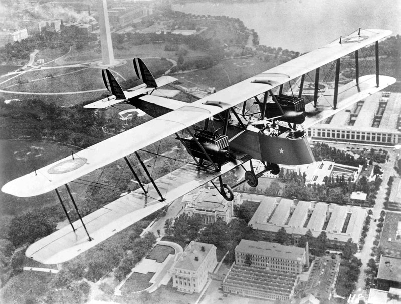 A Martin MB-1 bomber over Washington DC.