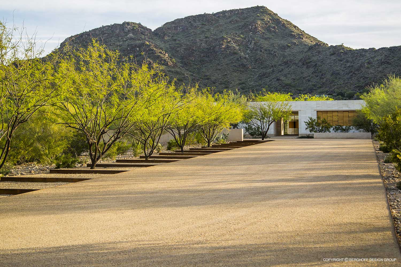 Modern-Paradise-Valley-2014-01.jpg