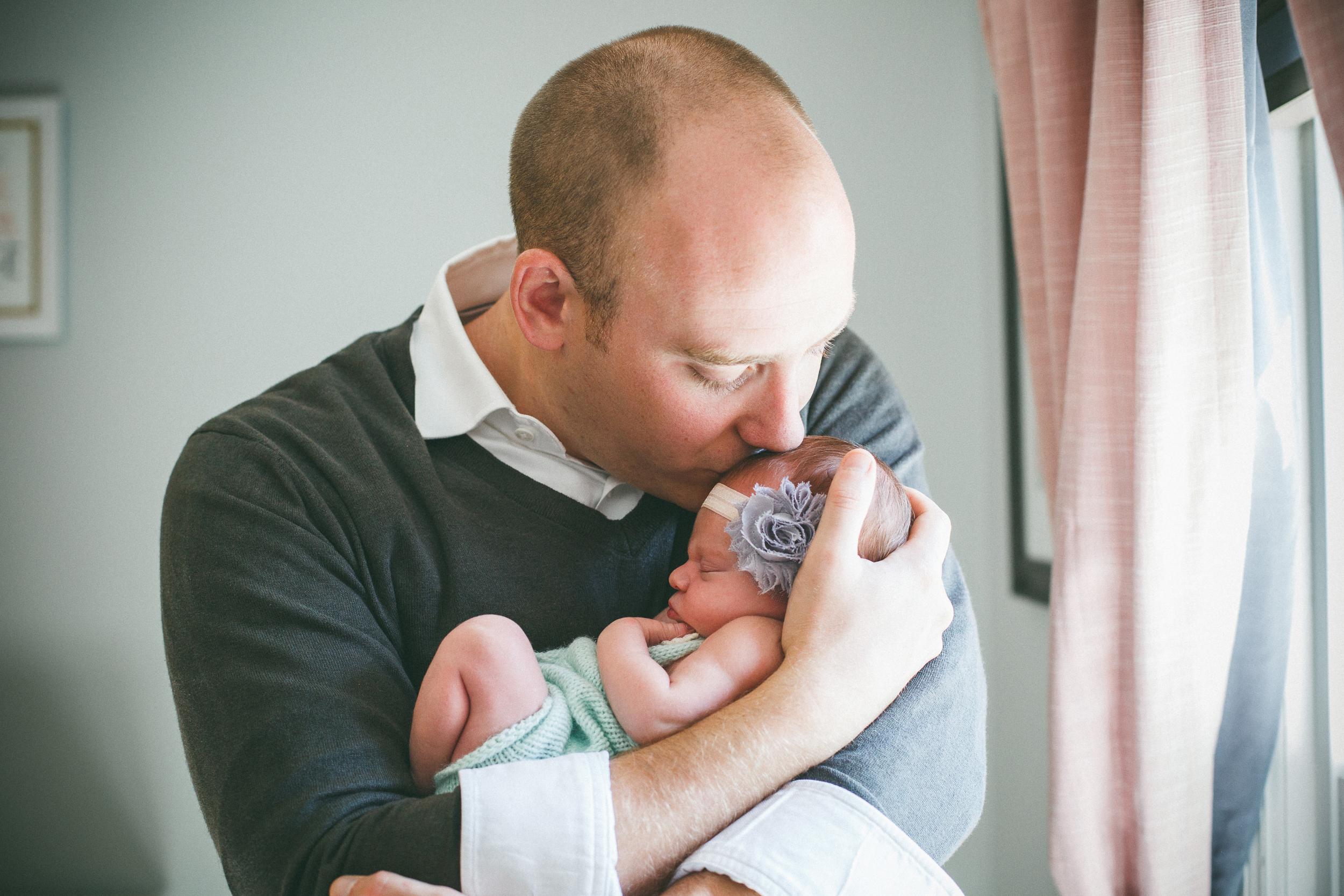 Rochester_NY_Lifestyle_Newborn_Photographer-7.jpg