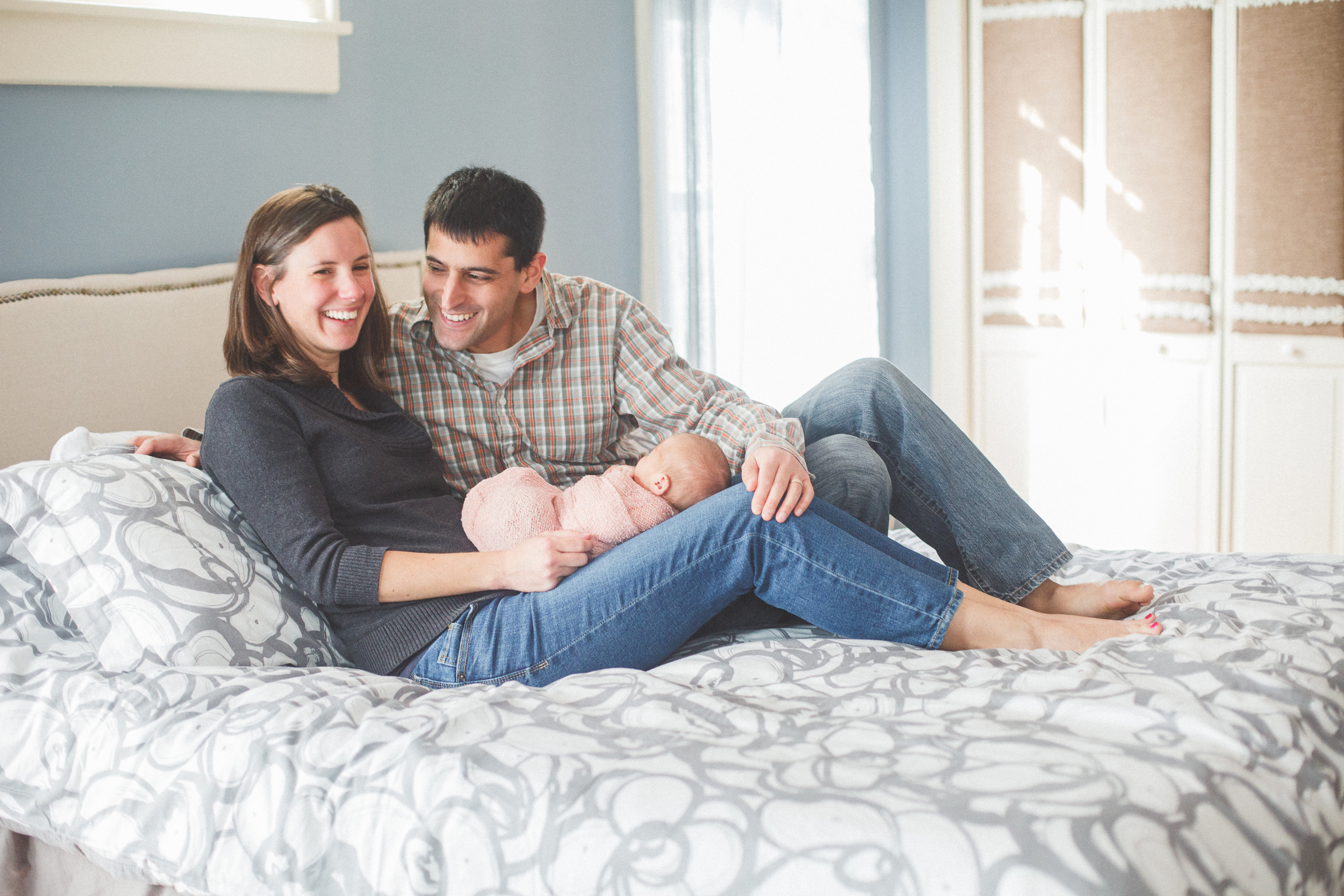 Rochester_NY_Lifestyle_Newborn_Photographer-24.jpg