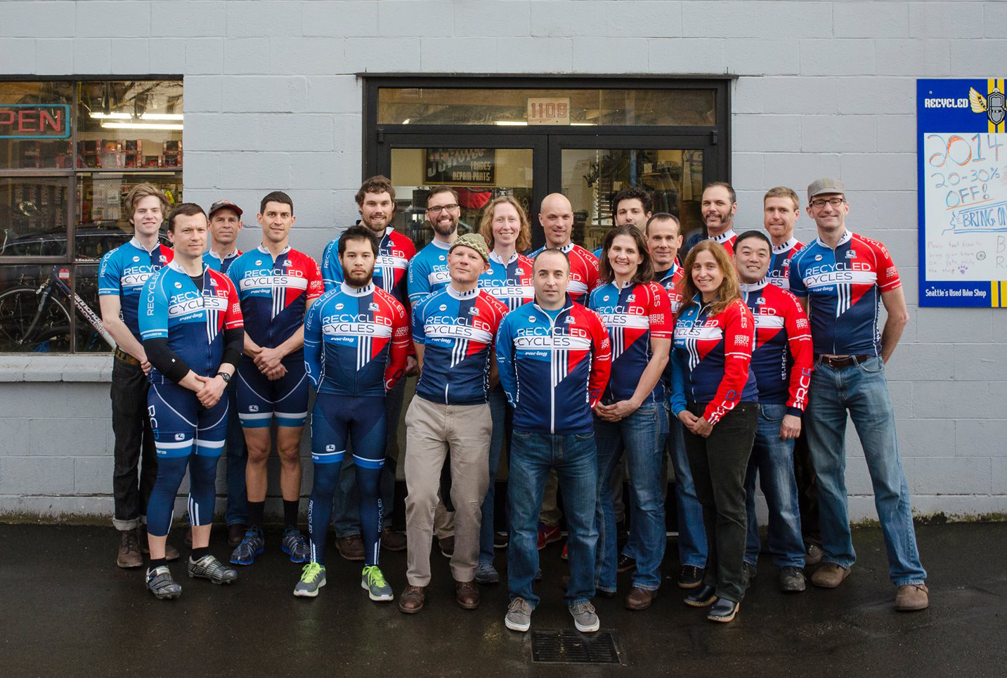 The 2015 Recycled Cycles Cycling team.