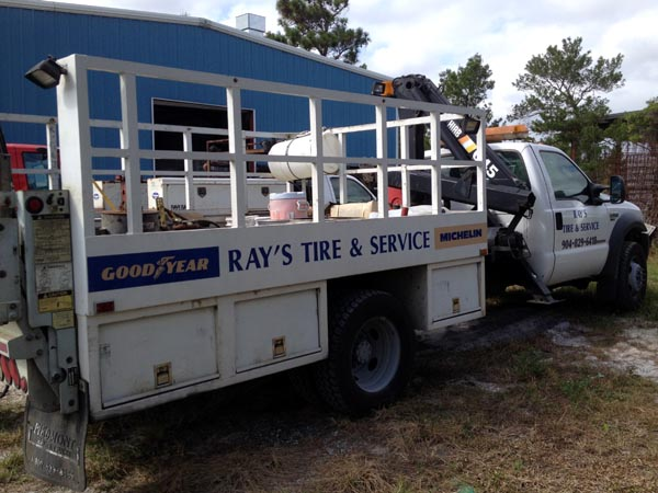 Ray's Commercial Center Large Tire Roadside Service Truck