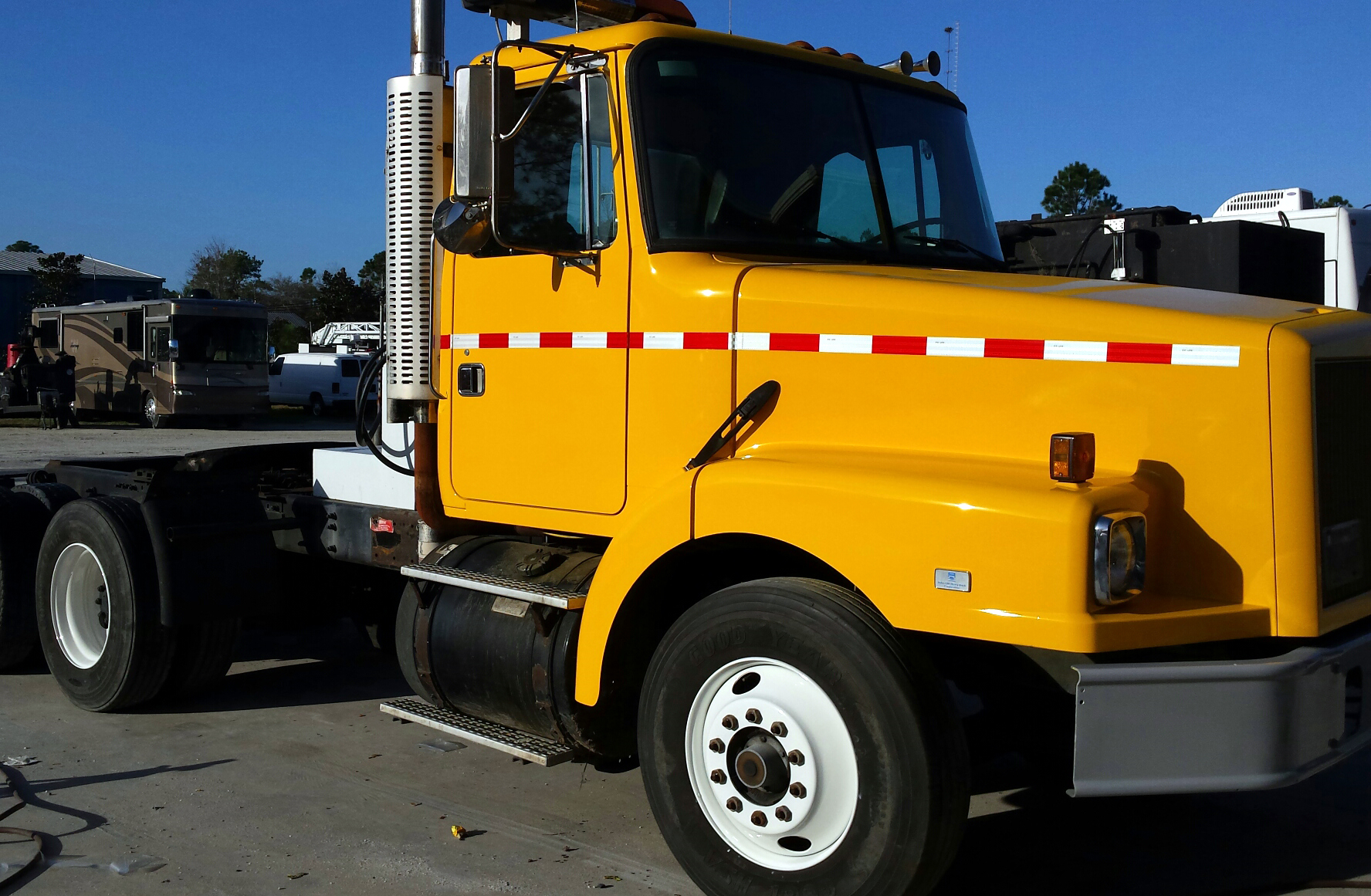 Florida Department of Transportation Truck After Repainting. We are able to save the state of Florida thousands of dollars by repairing and reconditioning their existing vehicles rather than purchasing new vehicles.