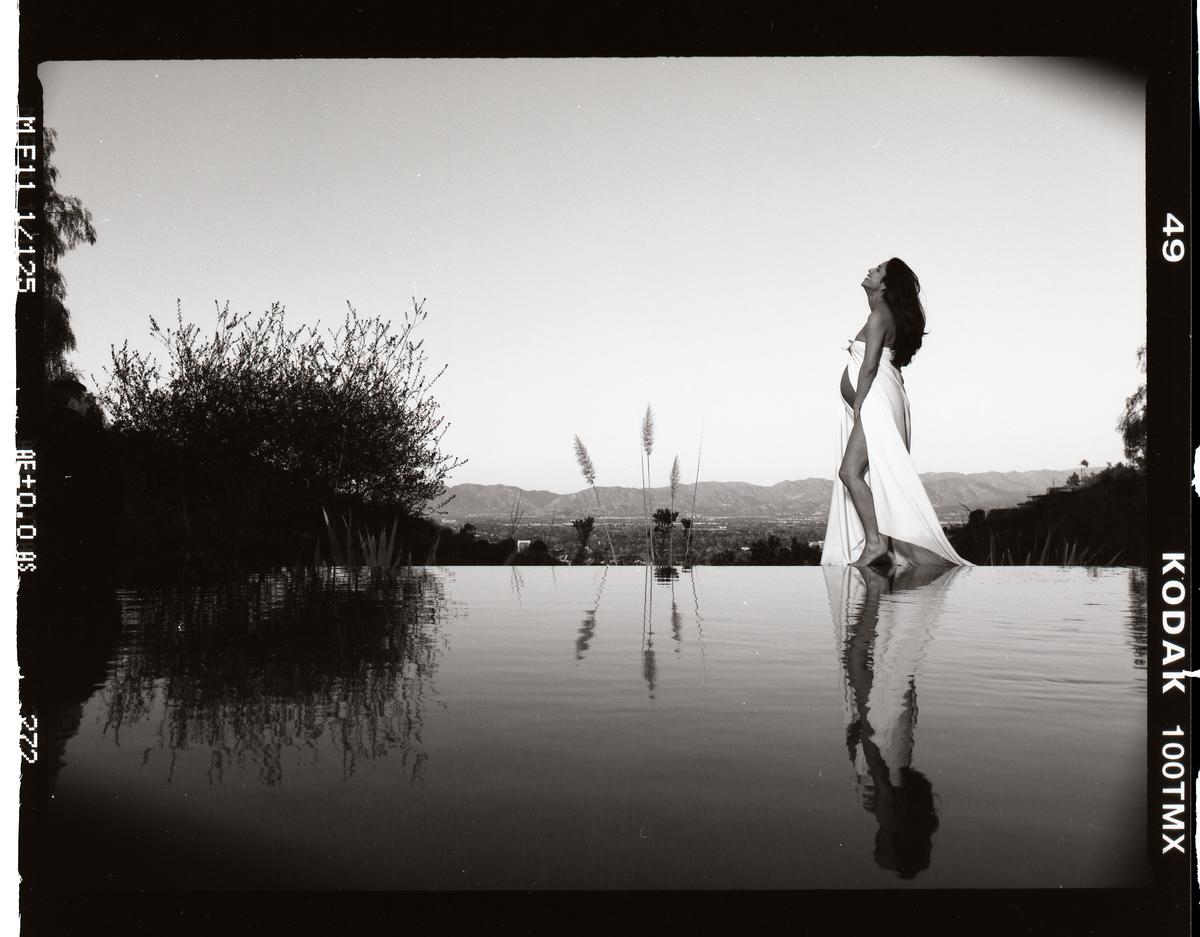 Pregnancy Shoot Black and White Film.jpg