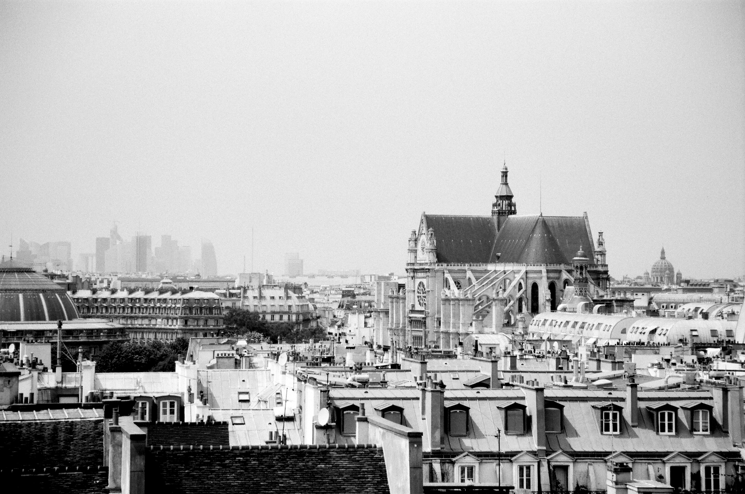 Paris - France B&W Image 5.jpg