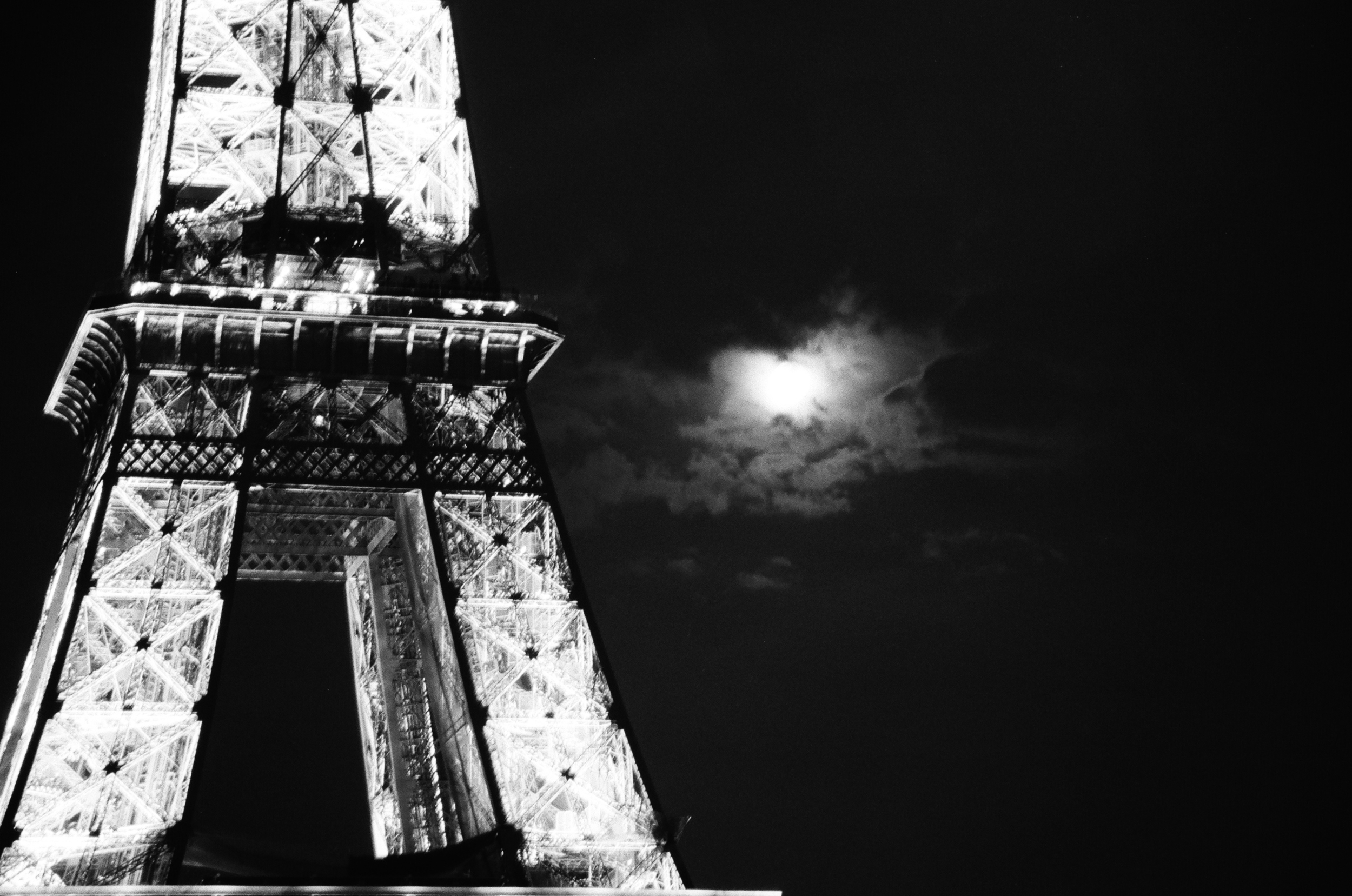 Paris - France B&W Image 6.jpg