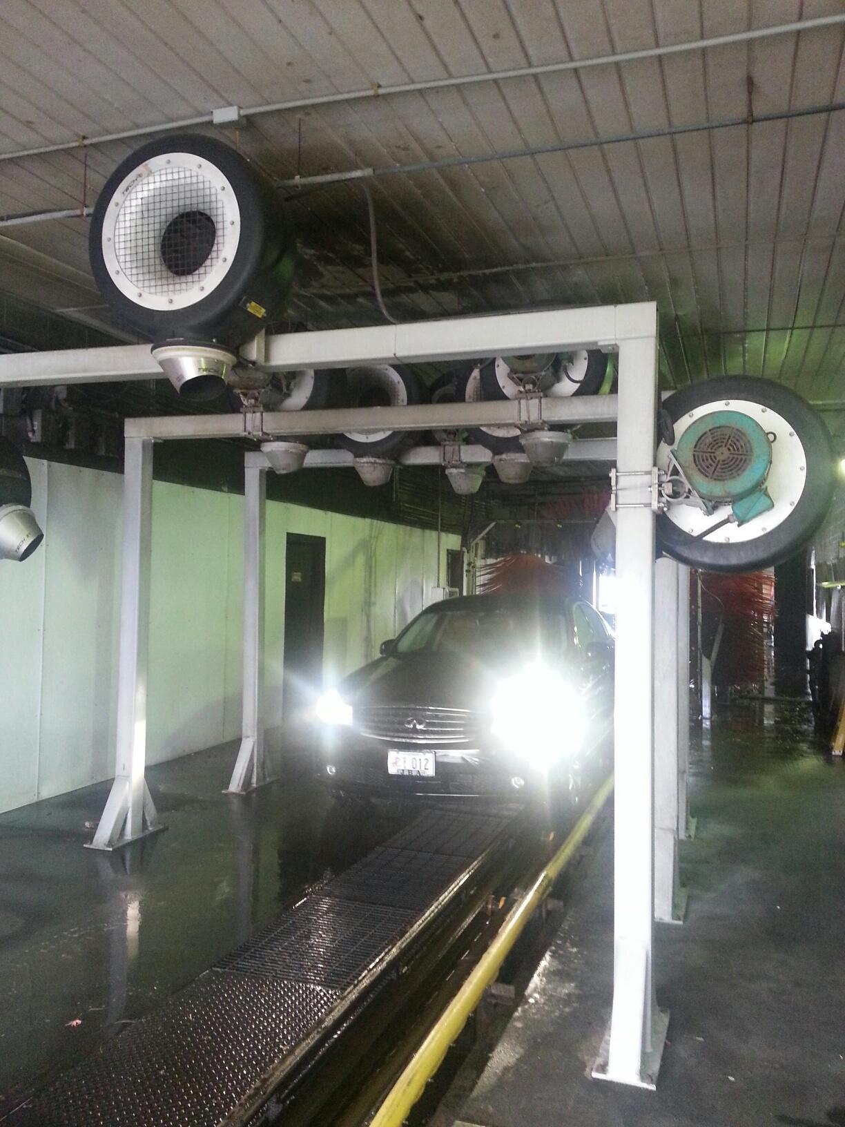 Full Service Car Wash.jpg
