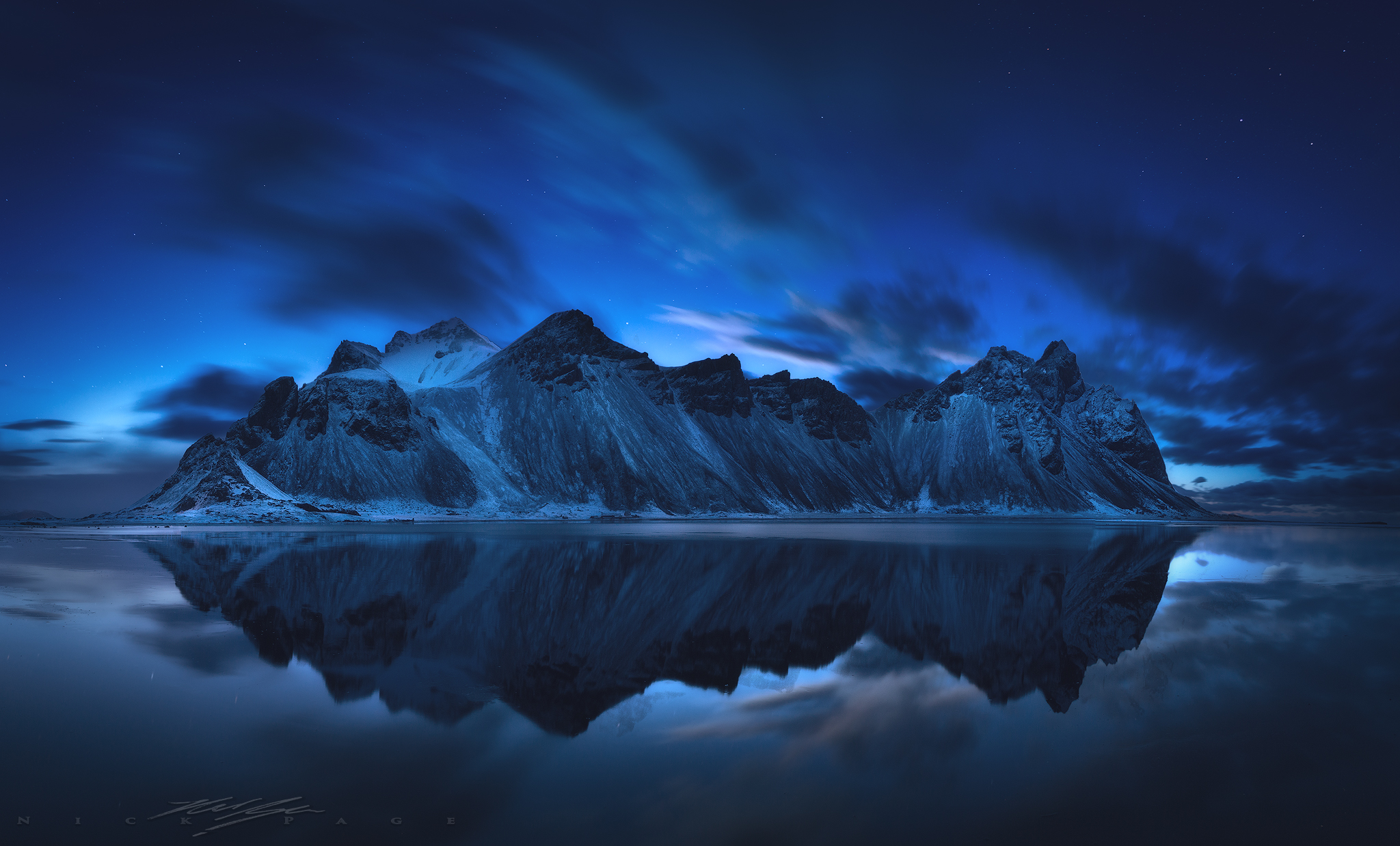 Vesturhorn-reflection.jpg