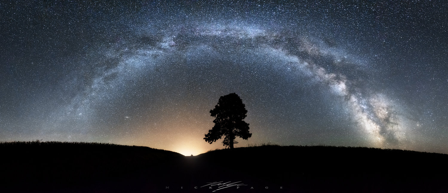Lonely-tree-starbow.jpg