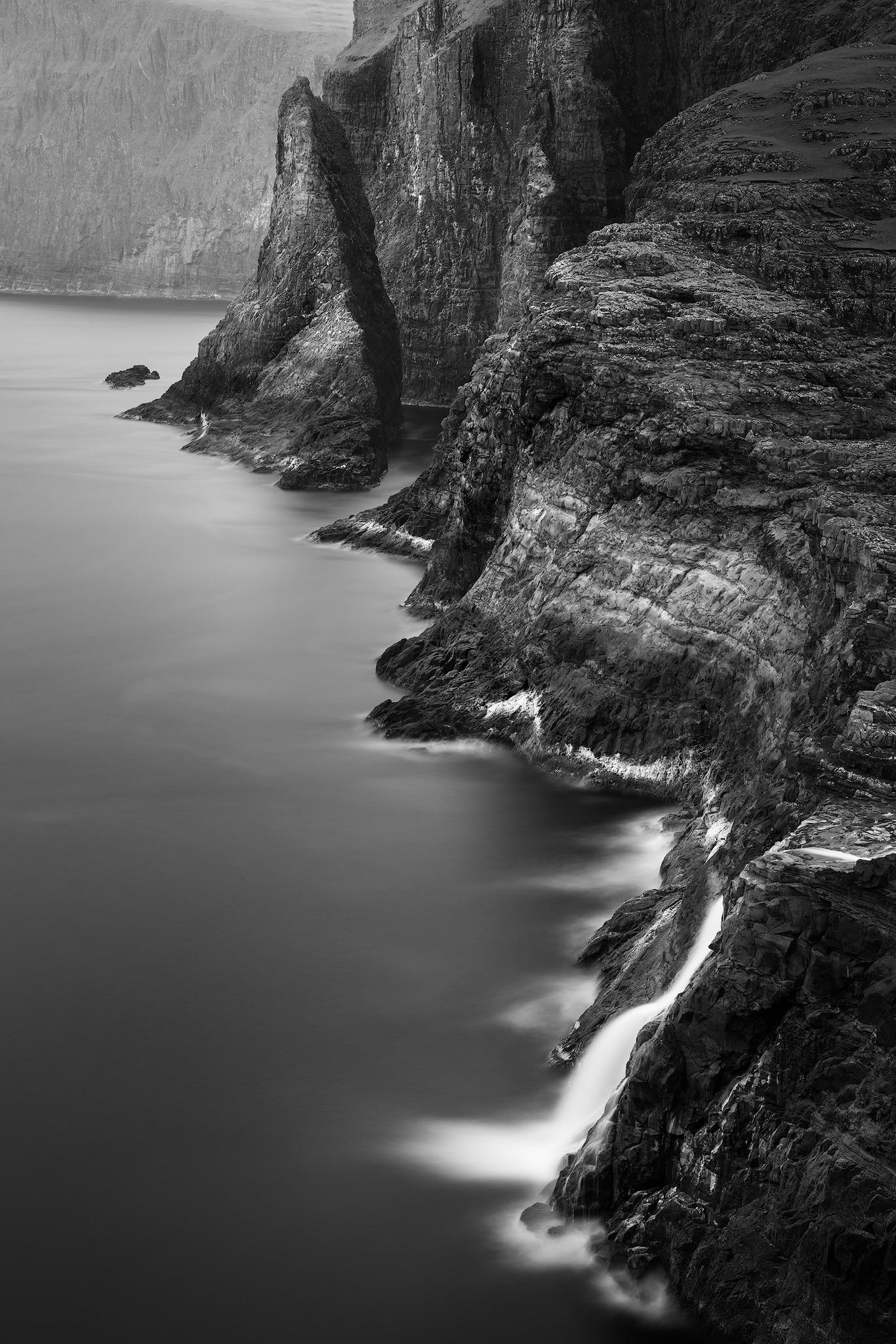 black-and-white-cliffs.jpg