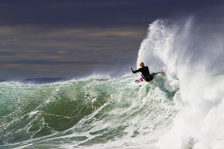surfers009.JPG