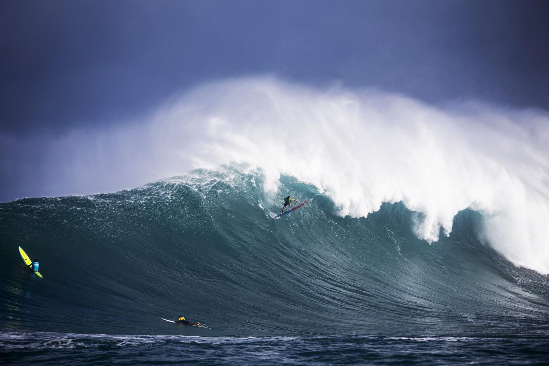 surfers062.JPG