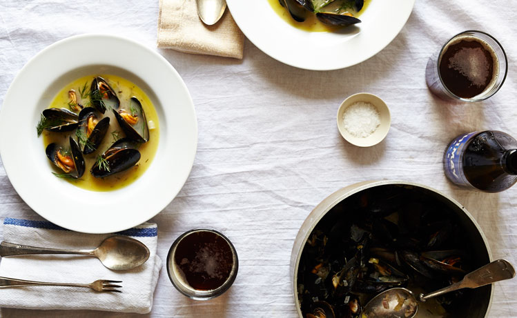 Spring Steamed Mussels with Butter, White Wine & Dill