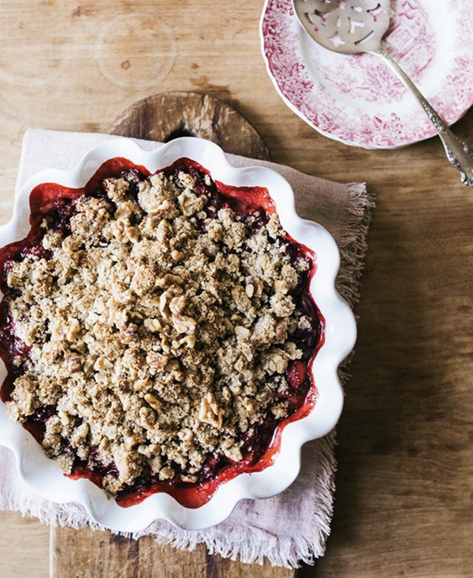 Sour Cherry & Strawberry Oat Crumble (GF, V+)