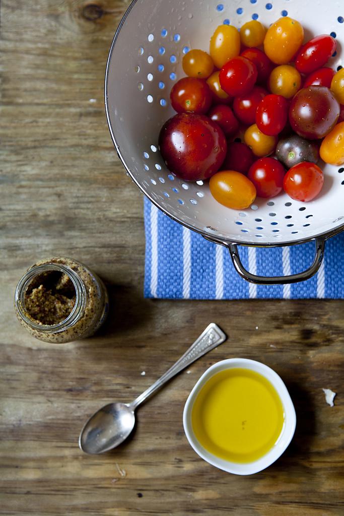 Everyday Garlic & Mustard Dressing (GF, V+)