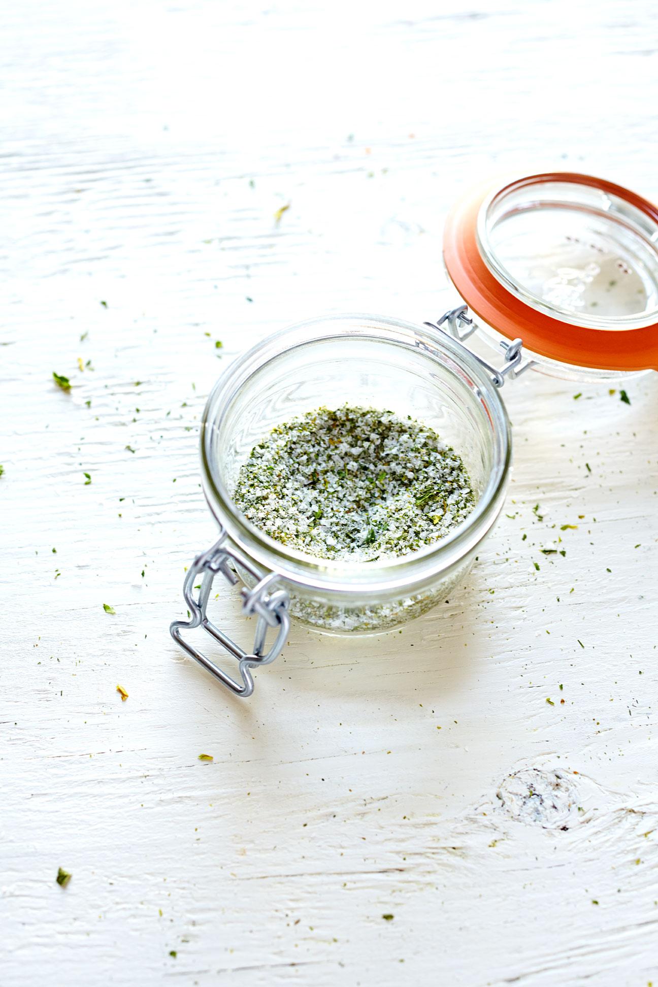 Homemade Celery Salt (GF, V+)