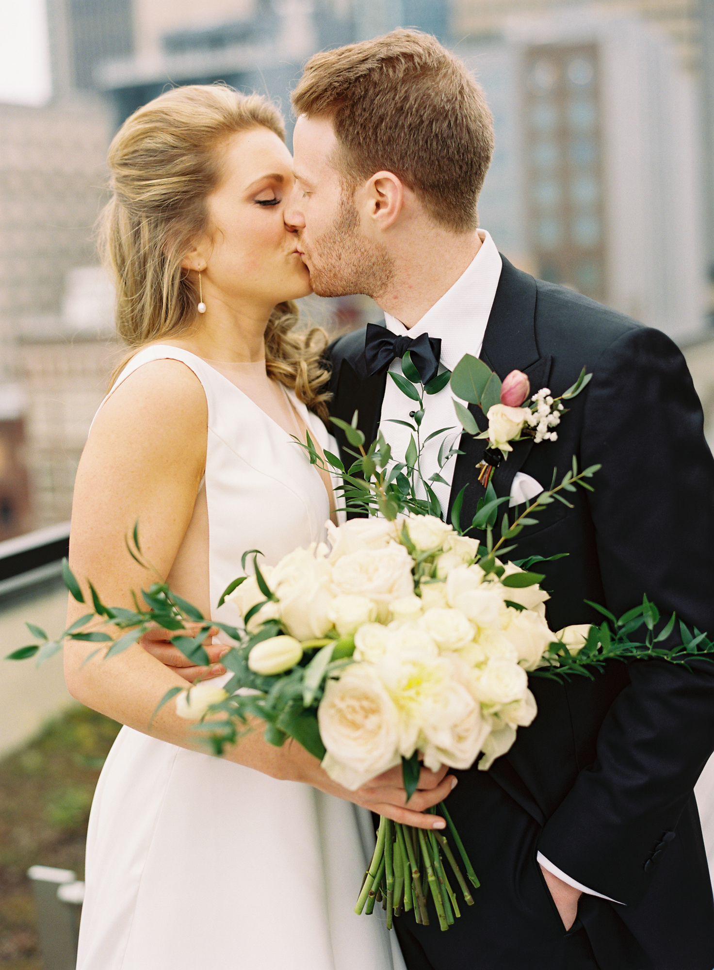 Nashville Wedding 21c Hotel and Museum-015.jpg