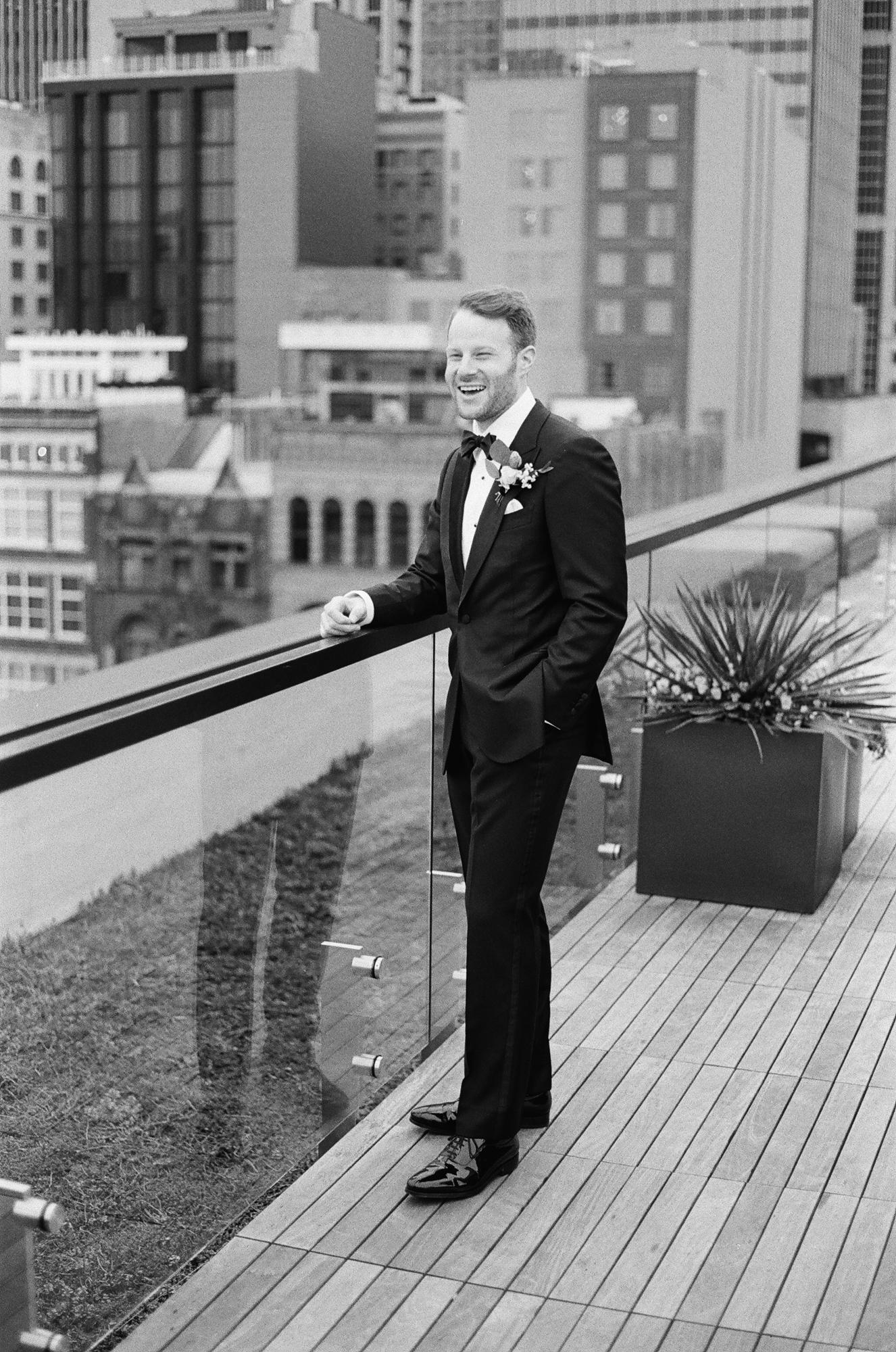 Nashville Wedding 21c Hotel and Museum-028.jpg
