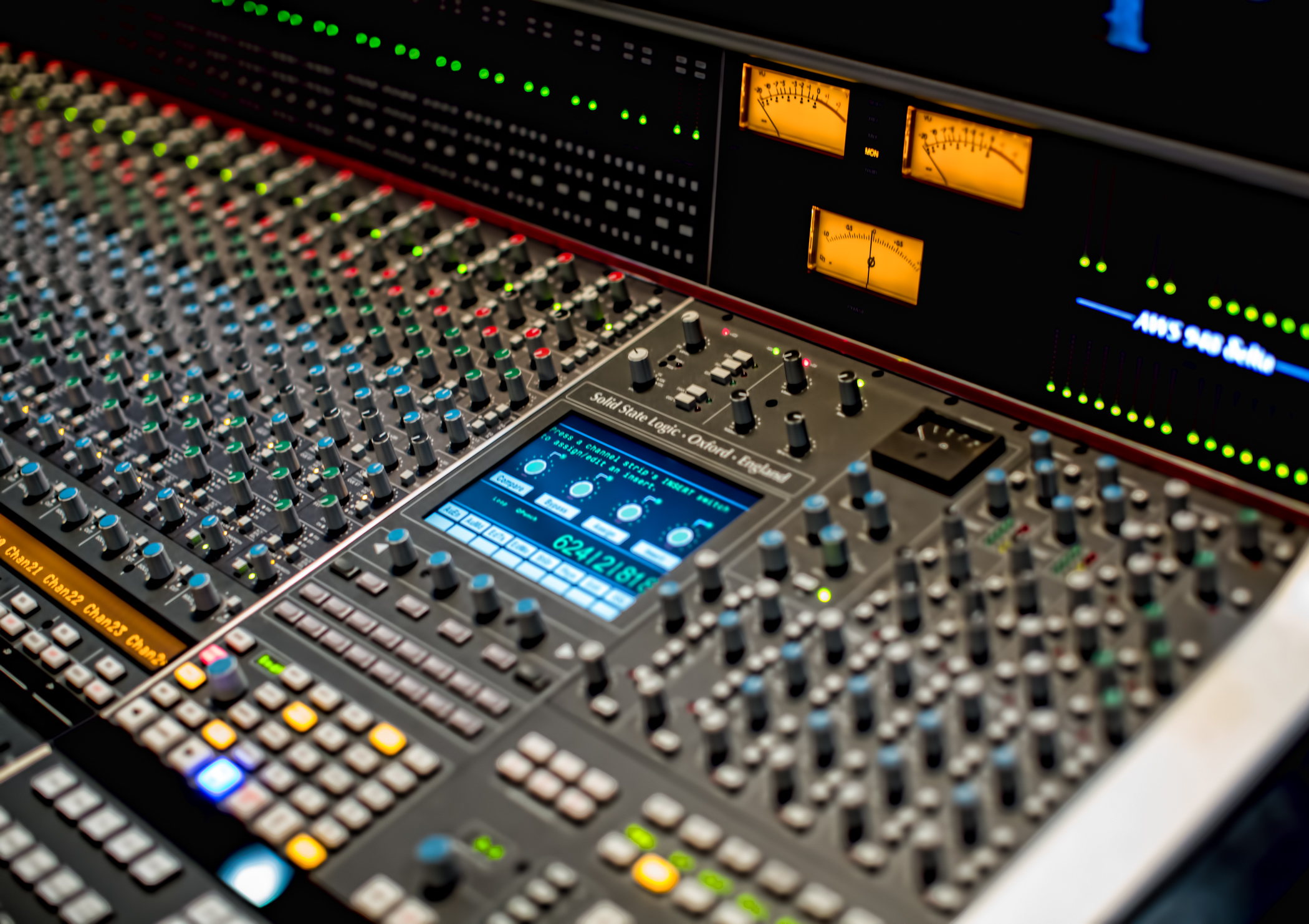 TRACKING/MIXING CONSOLE - SOLID STATE LOGIC (SSL) AWS948 Delta