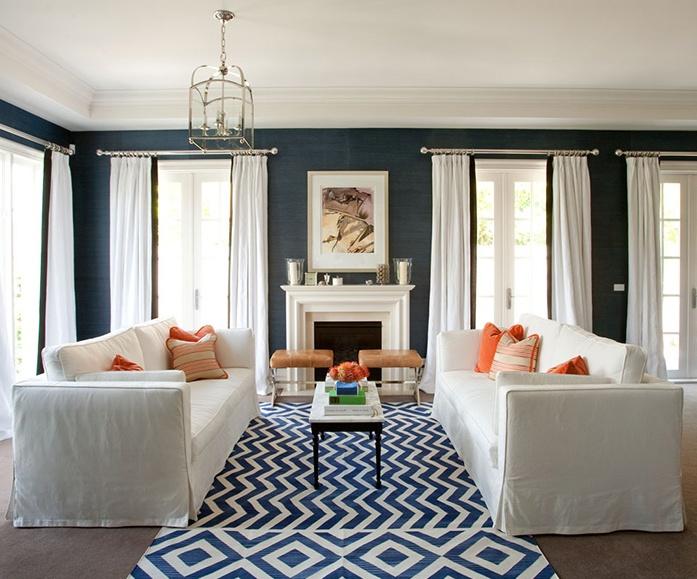 -via paloma81.blogspot.com / Dark blue grasscloth and bright white...such a great combo.