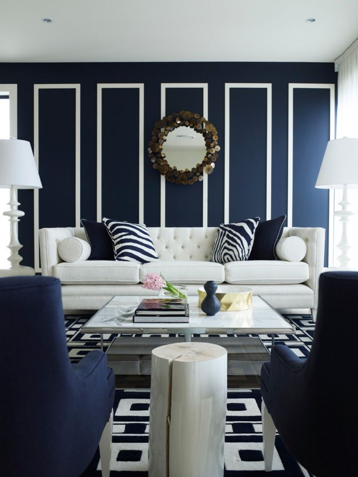 -via Hub Pages  / They used navy and white throughout the room, so the mixing of patterns totally works.