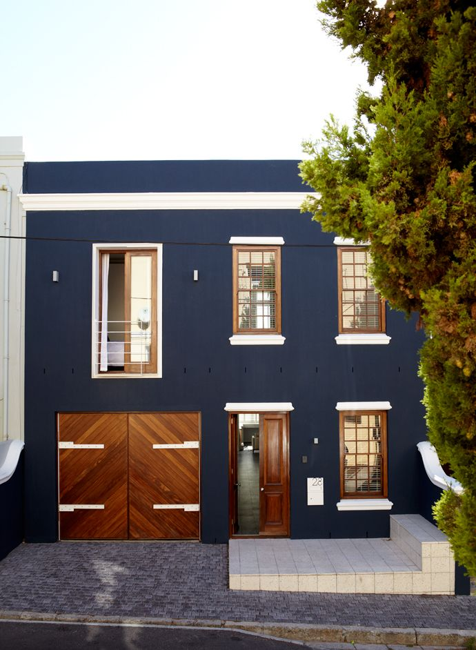 -photo by Warren Heath for House And Leisure Magazine / This home in Cape Town, South Africa, exemplifies the beauty of using blue in home design. I want to see this house in person someday!
