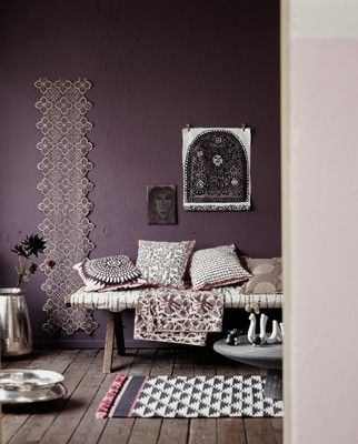-via jannepeters.de / I dig the dark purple mixed with the ethnic textiles.