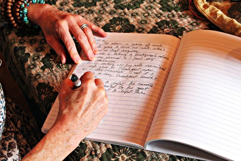 small.writinginjournal.bb.jpg