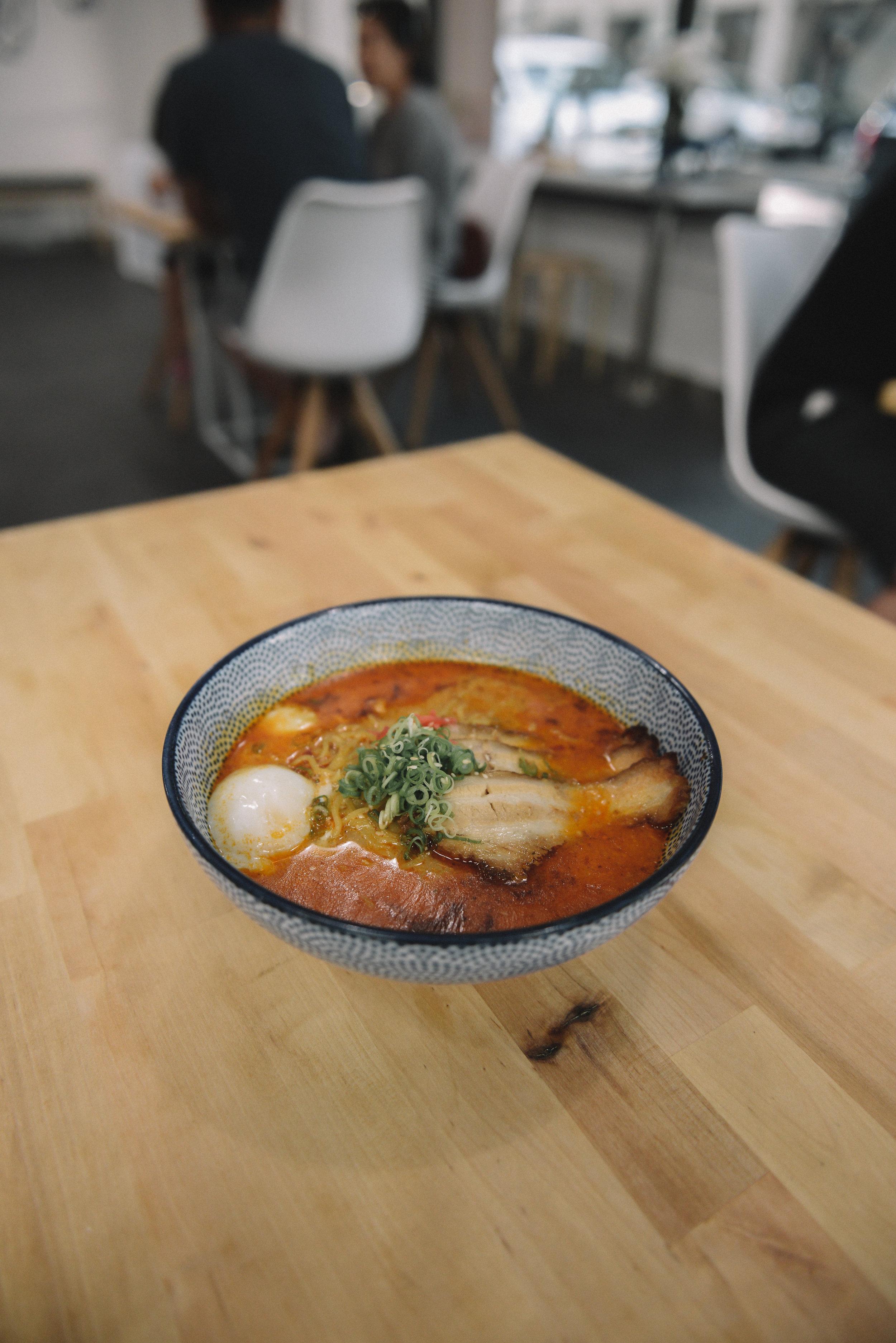 Again-Cafe-Chibiscus-Ramen-Spicy