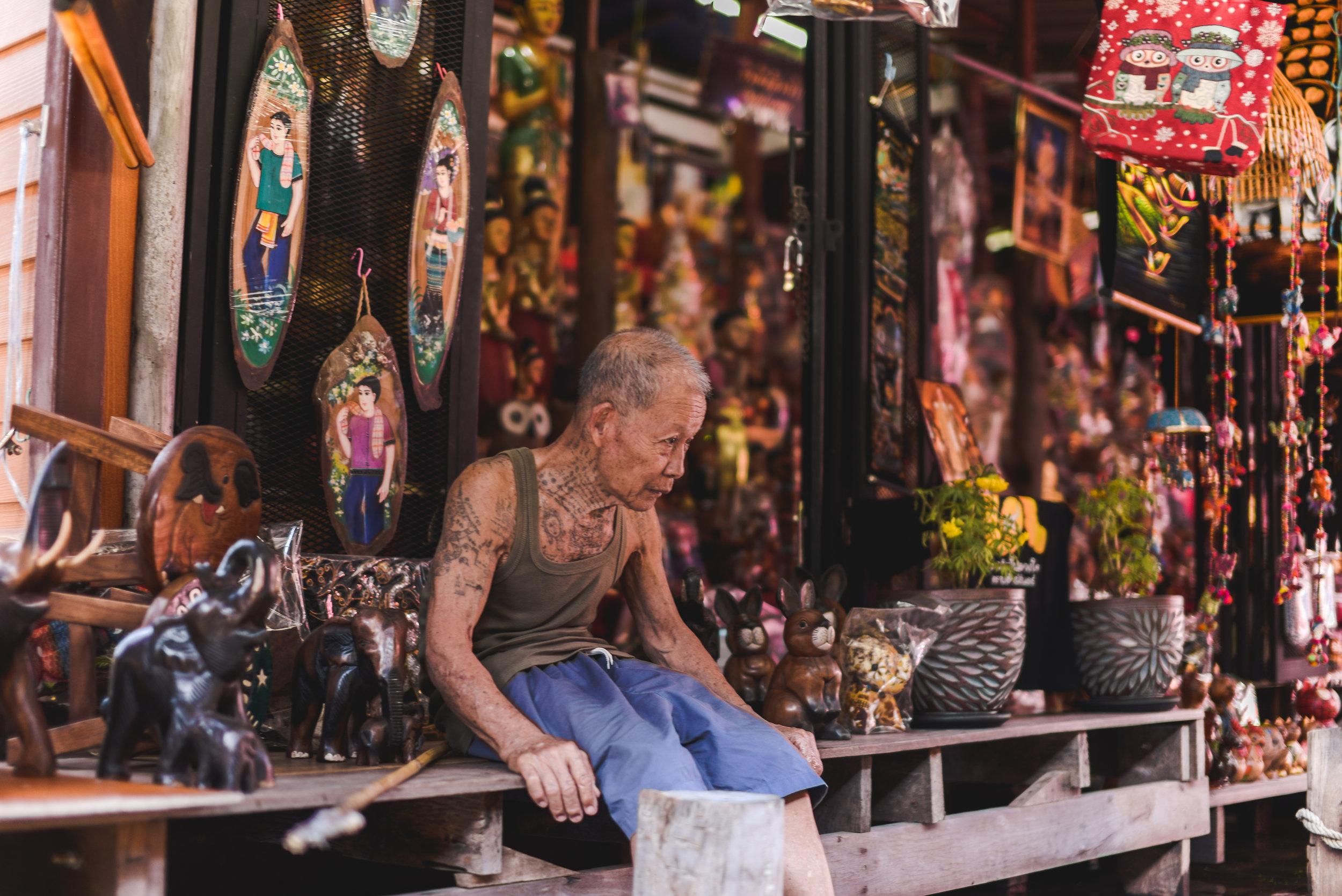 Damnoen-Saduak-Floating-Market-By-Lisa-Linh