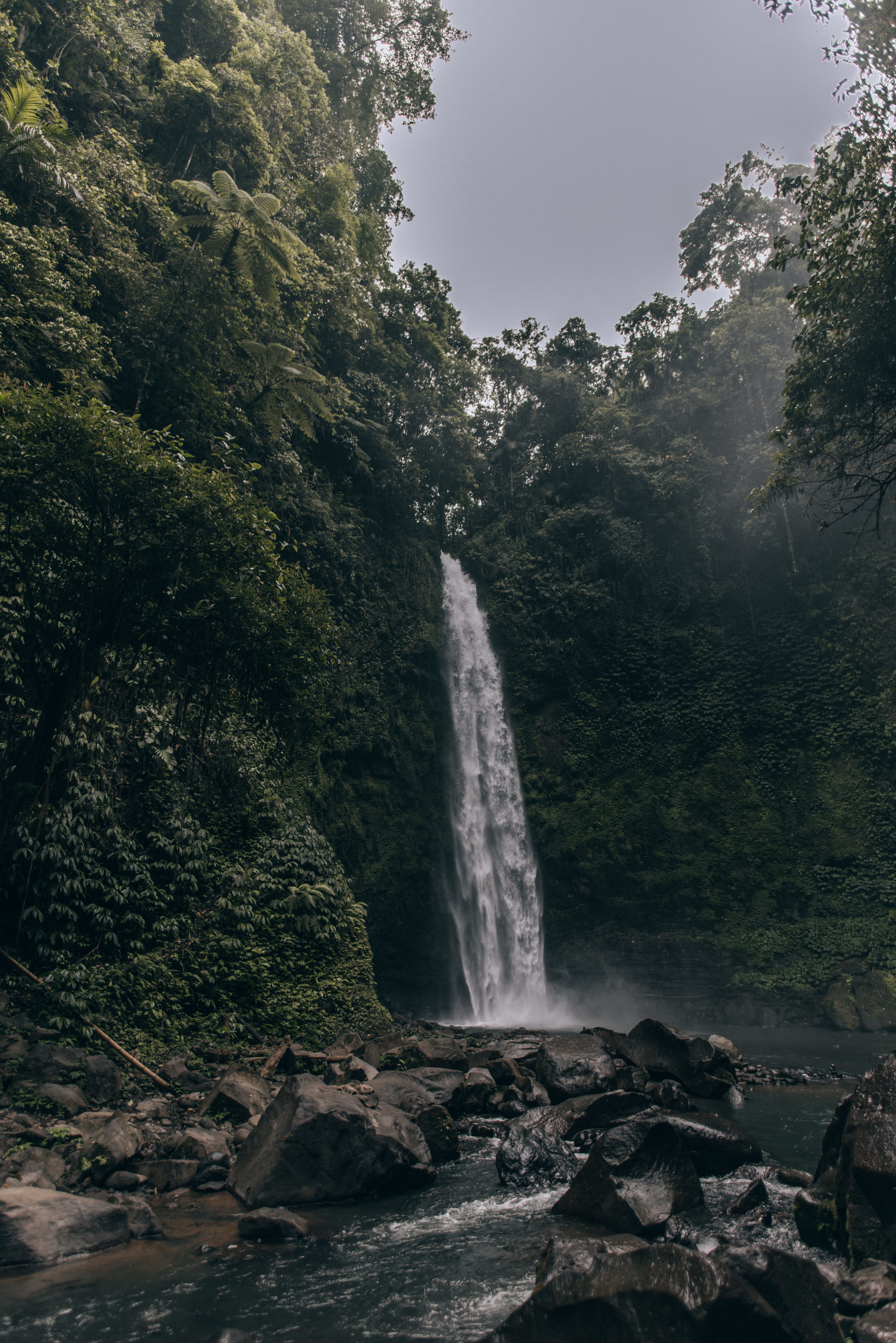 nungnung-waterfall-by-lisa-linh