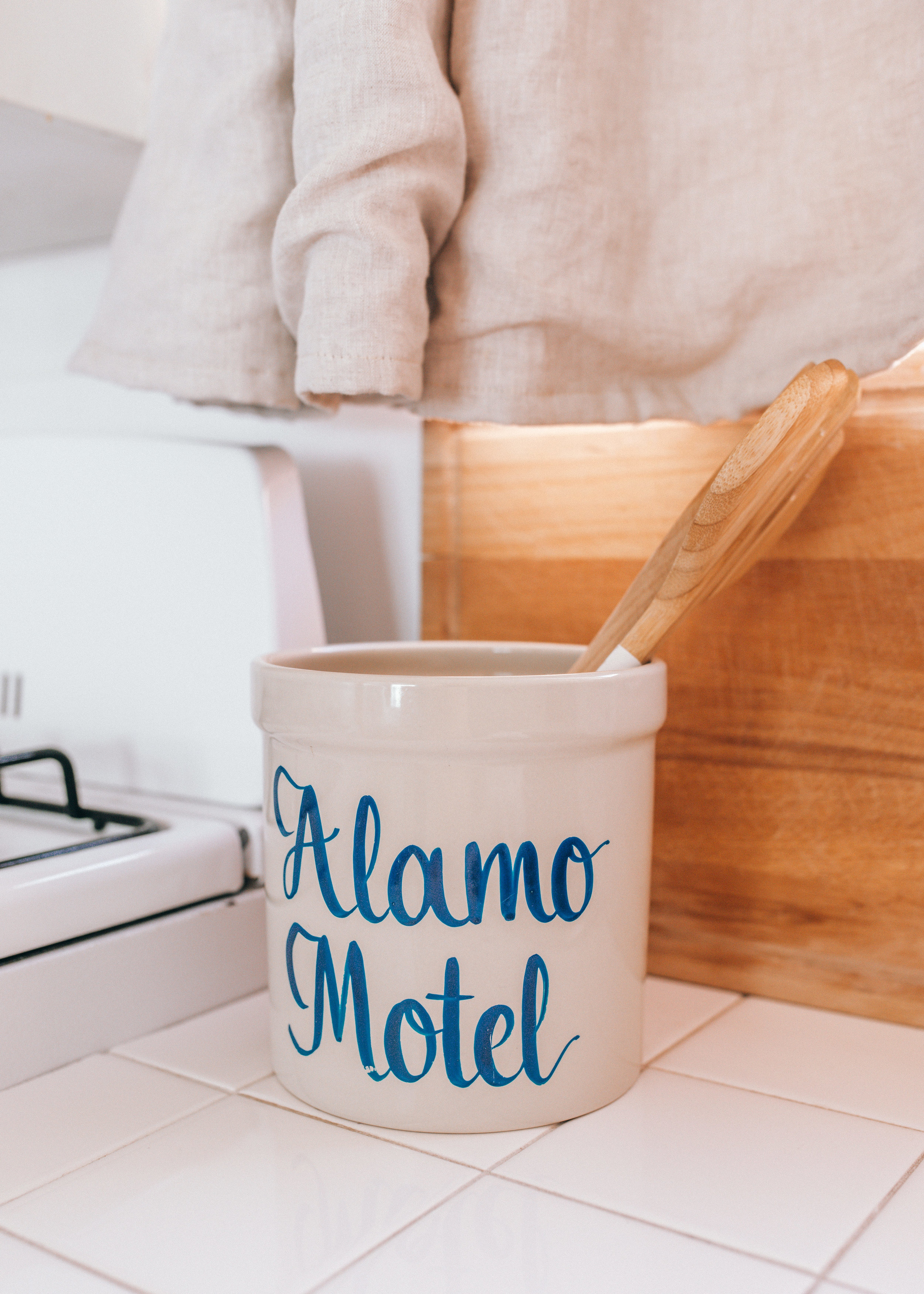 alamo-motel-by-lisa-linh