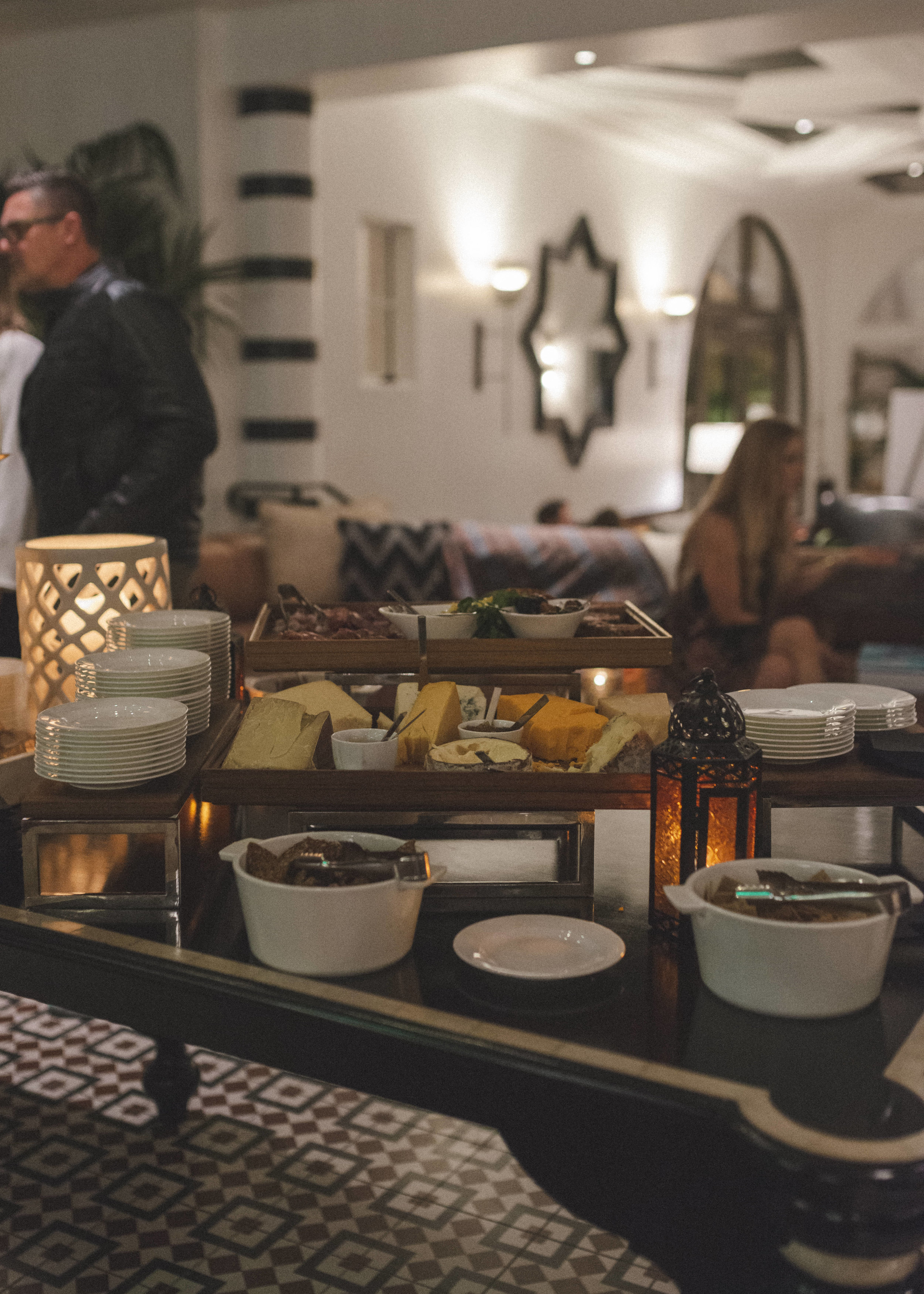 hotel-californian-constellation-pop-up-event-by-lisa-linh