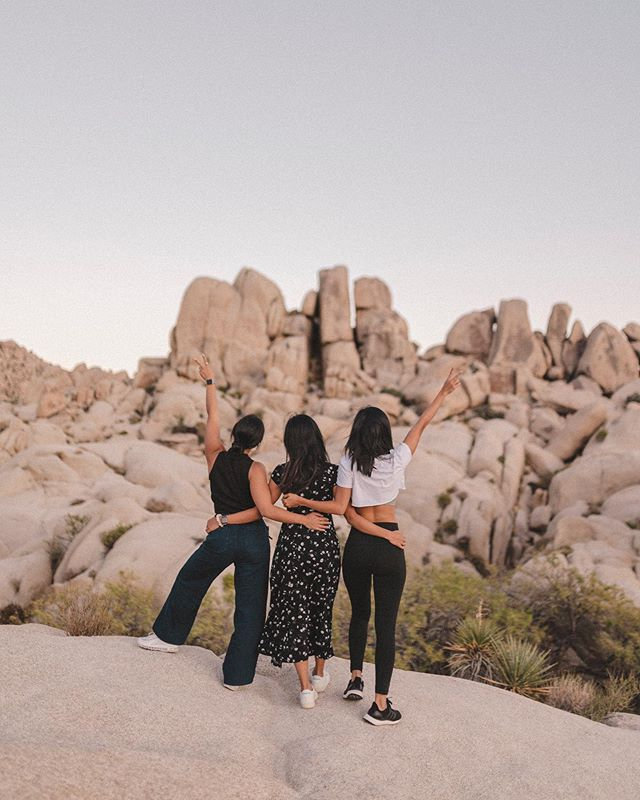 """Do an inventory check on your friends because some of your day one friends have been hating on you since day two"" ⁣ - #QueerEye⁣ ⁣ ⁣ ⁣ #bylisalinh #friendshipquotes #quotestoliveby #quotesaboutlife #quotesdaily #quoteoftheday #joshuatree #joshuatreenationalpark #friendstrip #quotestoremember 📷 @ksole_"