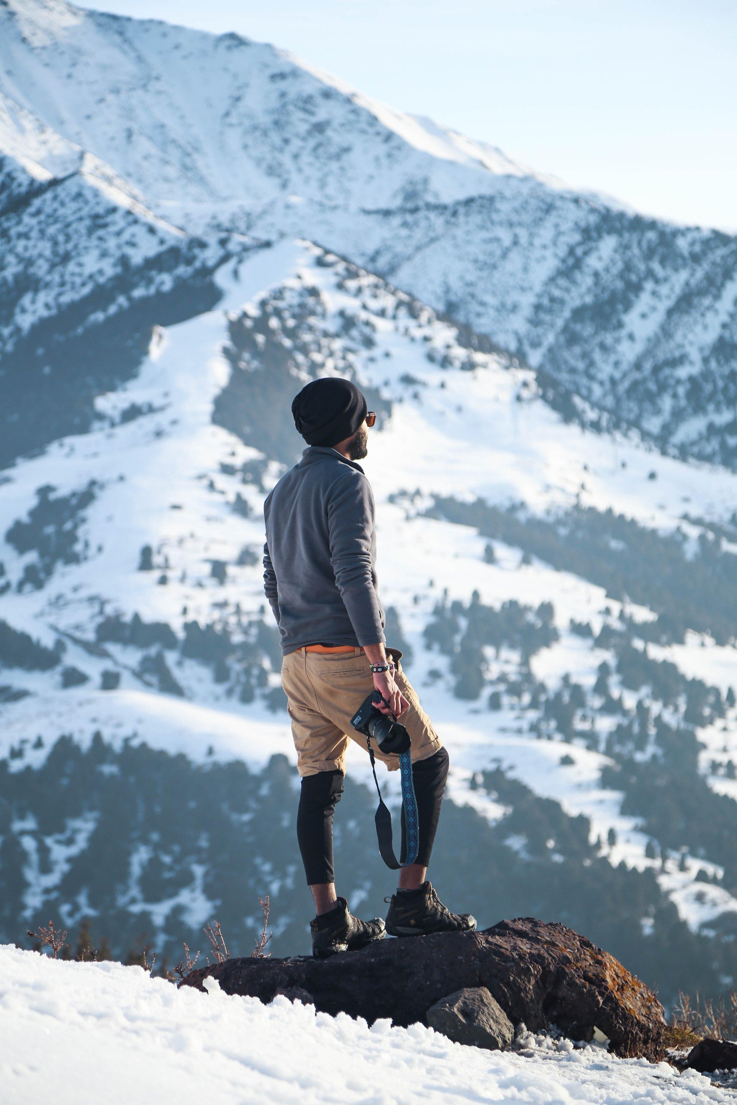 adventure-bonnet-camera-925263.jpg