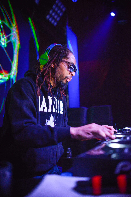 Lil Jon page-6.jpg