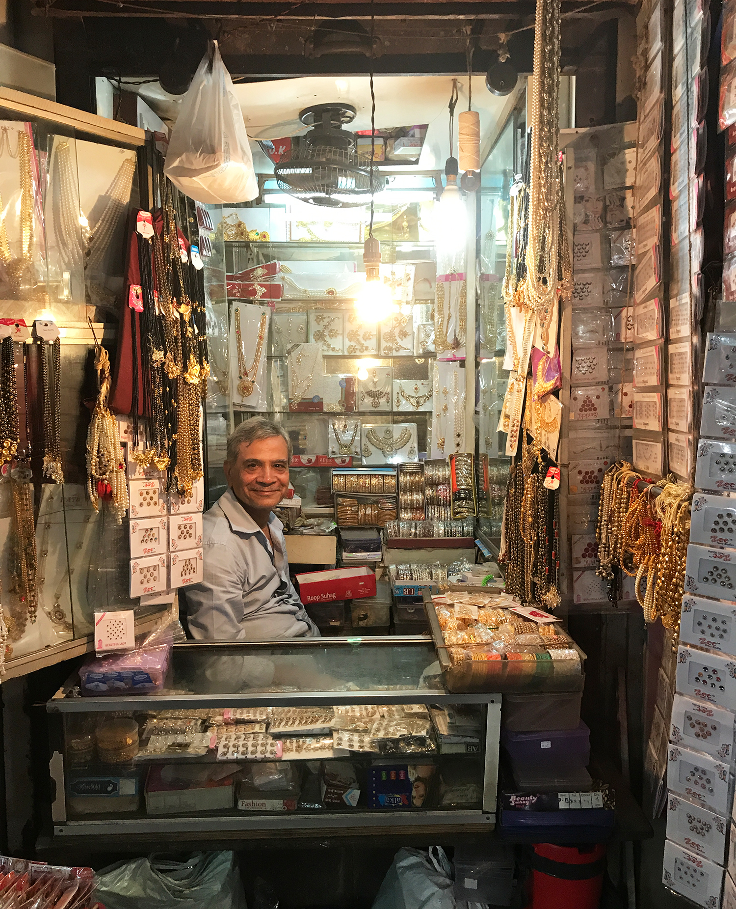 A tiny 70 years old jewelry shop and its owner.