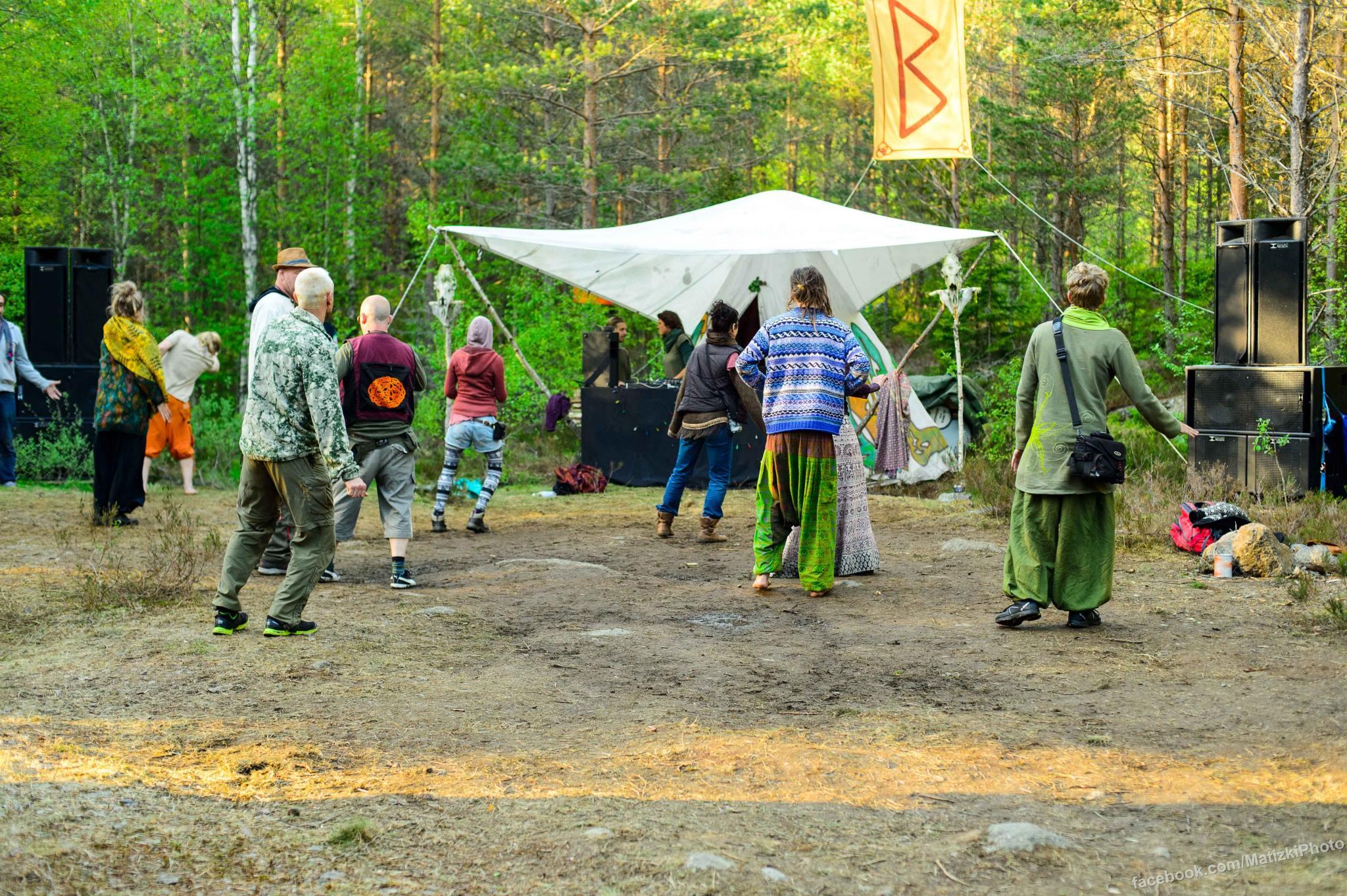 The hippies. Photo:  Mattias Photography