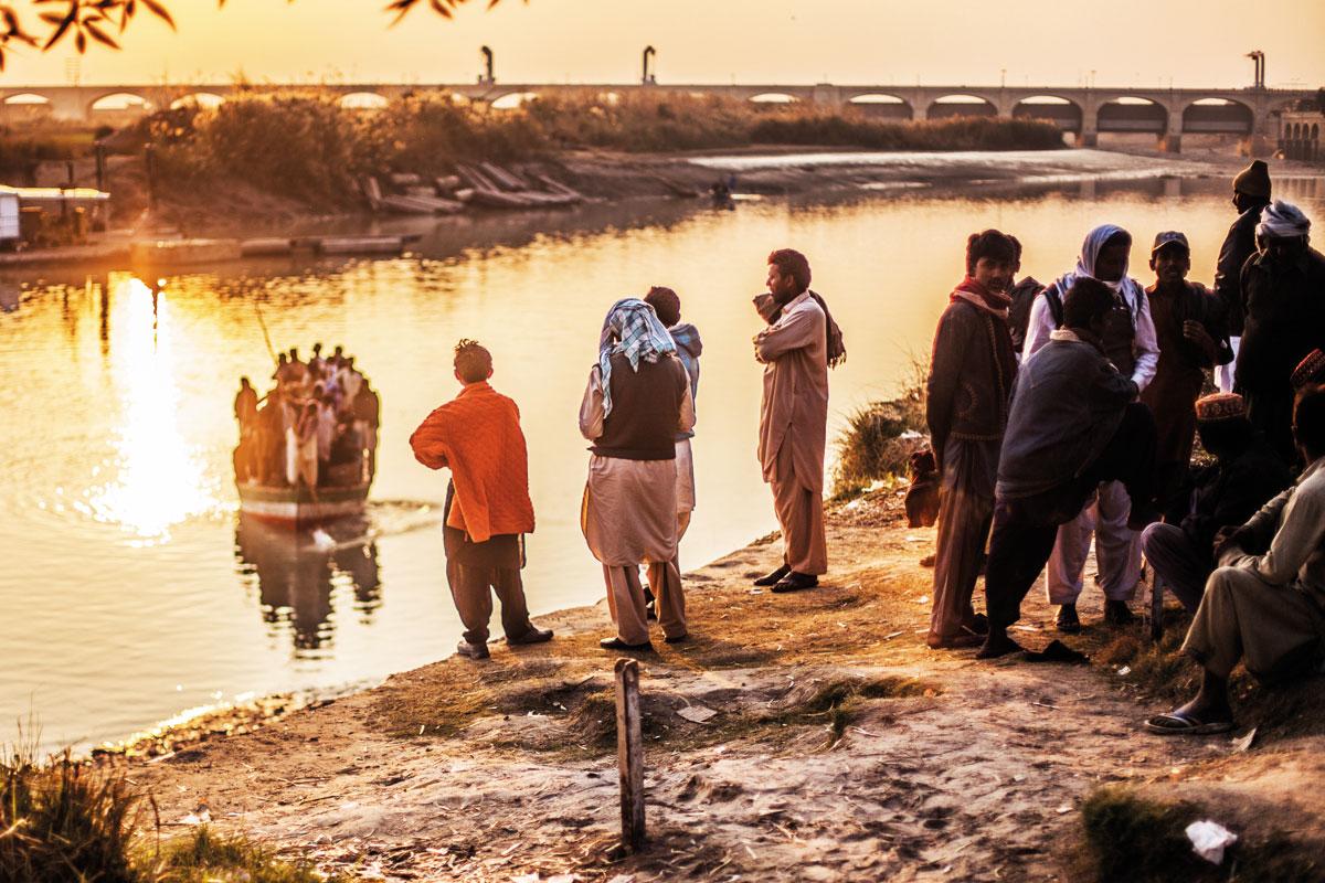 River crossing at sunset: Sukkur