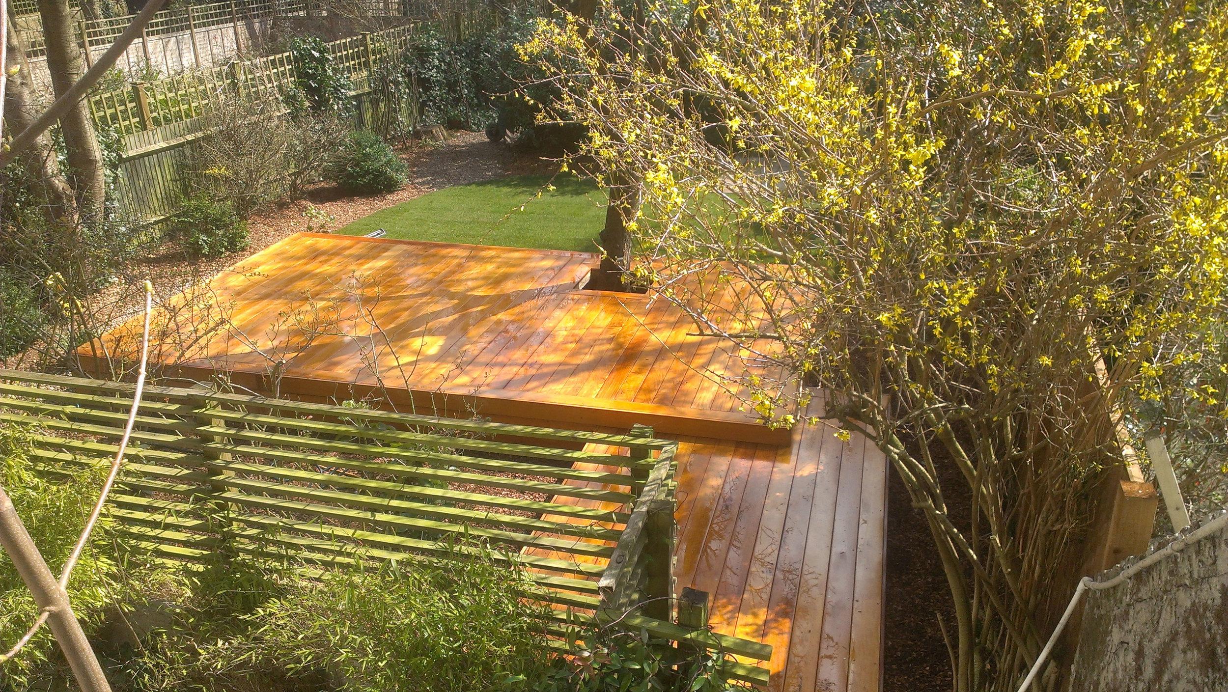 decking---Gallagher-gardens---Landscaping-Oxford.jpg