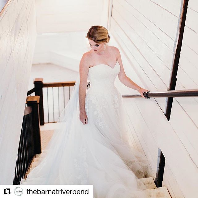 #Repost @thebarnatriverbend with @get_repost ・・・ Are we dreaming!? But seriously. . . . Vendor Friends... Photo: @sarahdeanphoto  The Dress: @somethingwhitebridalboutique  Hair & Makeup: @bronzedandblushed  Veil: @theyellowpeony
