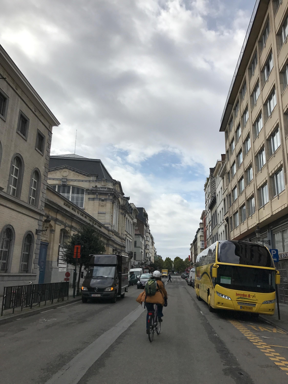 Zuidstraat (kant Rouppe) - Fietspad weggeschraapt.