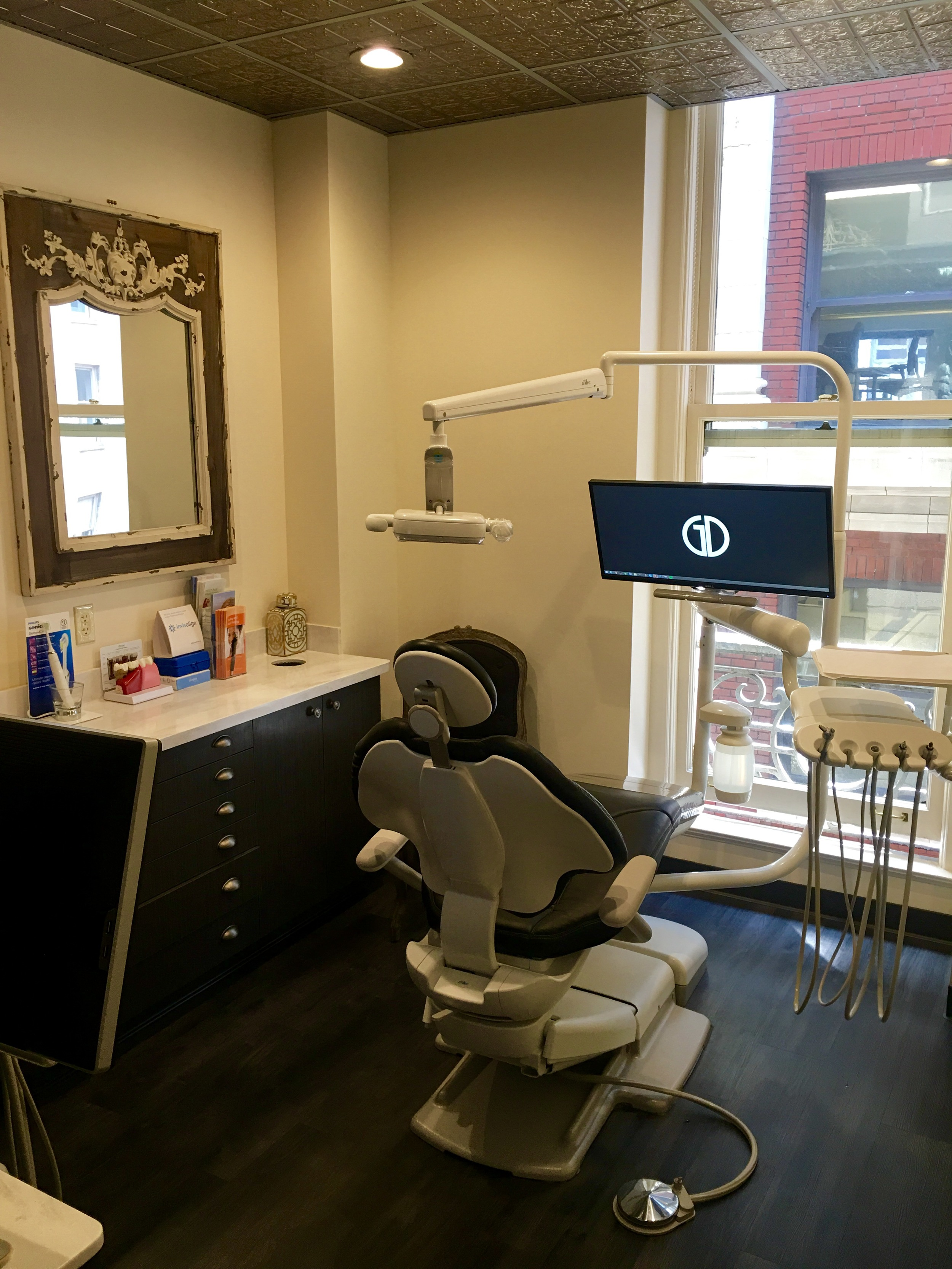 San Francisco dental office op with chair and monitor