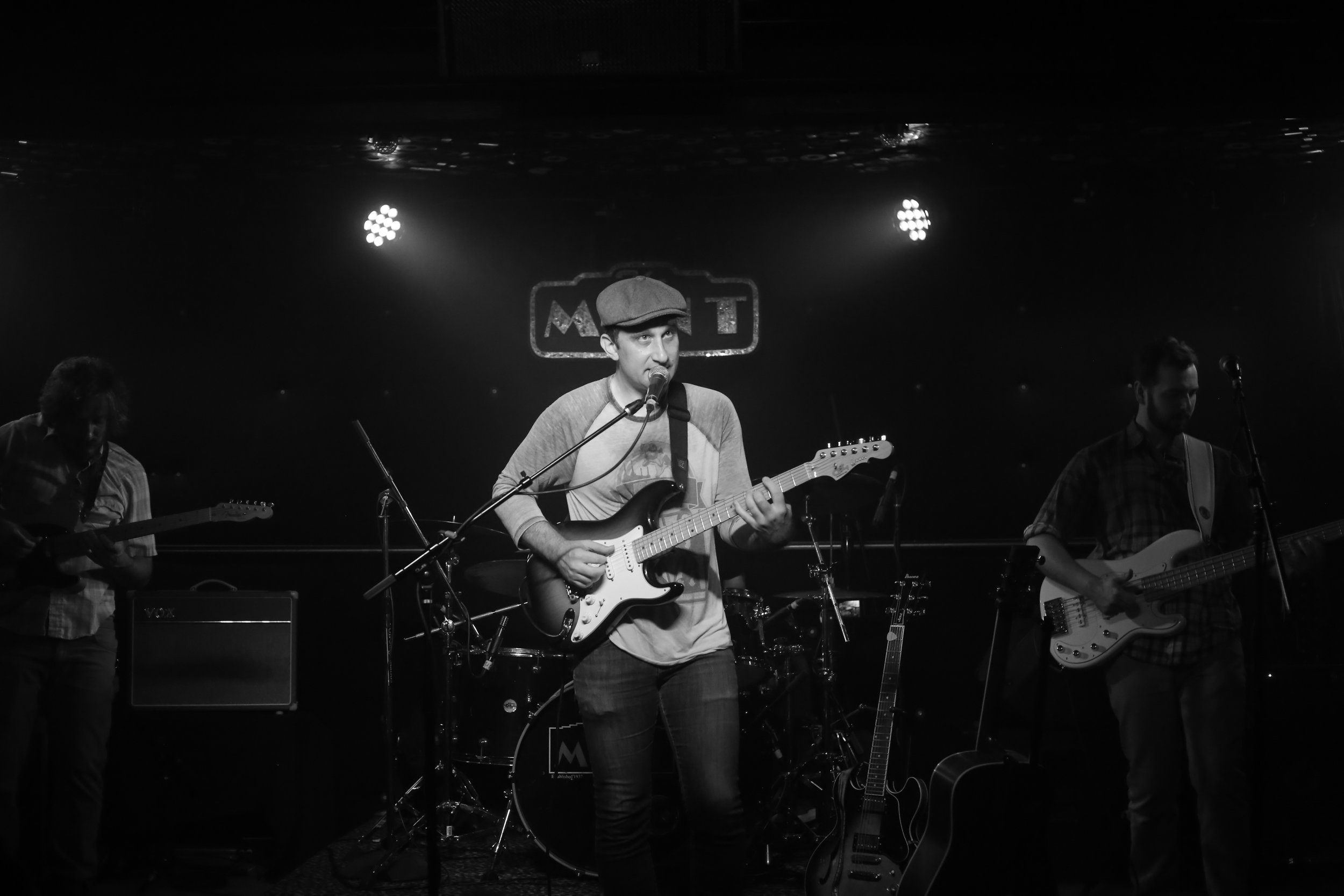 Mike Vitale and the Chemicals 8727.JPG