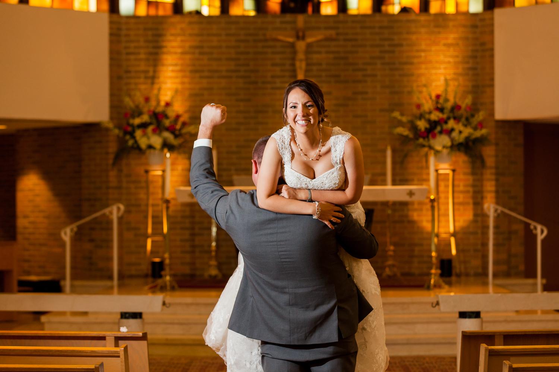 groom_holds_bride